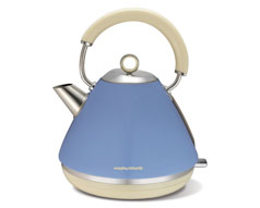 Cornflower Accents Kettle